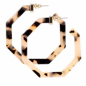 Jewelry - Light Tortoise Geometric Acrylic Hoop Earrings